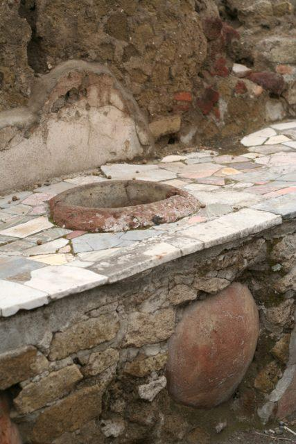 A thermopolium was a place where it was possible to purchase ready-to-eat food during the times of ancient Rome