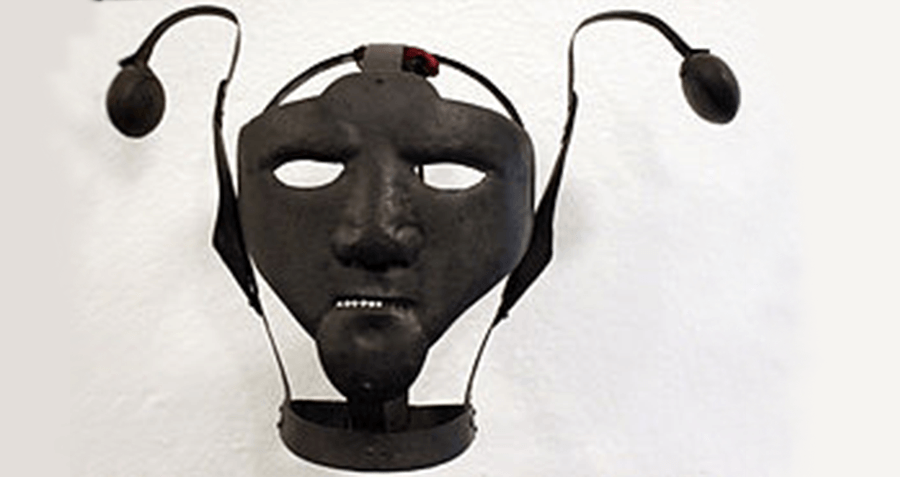 Scold's bridle- The gruesome medieval torture instrument worn to deter women from gossiping …