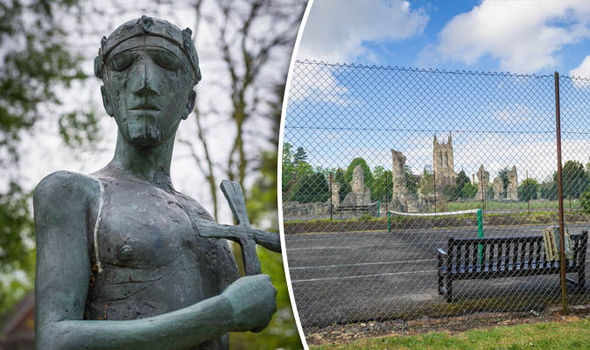 Plans for a tennis court to be dug up to search for remains of Saxon King.
